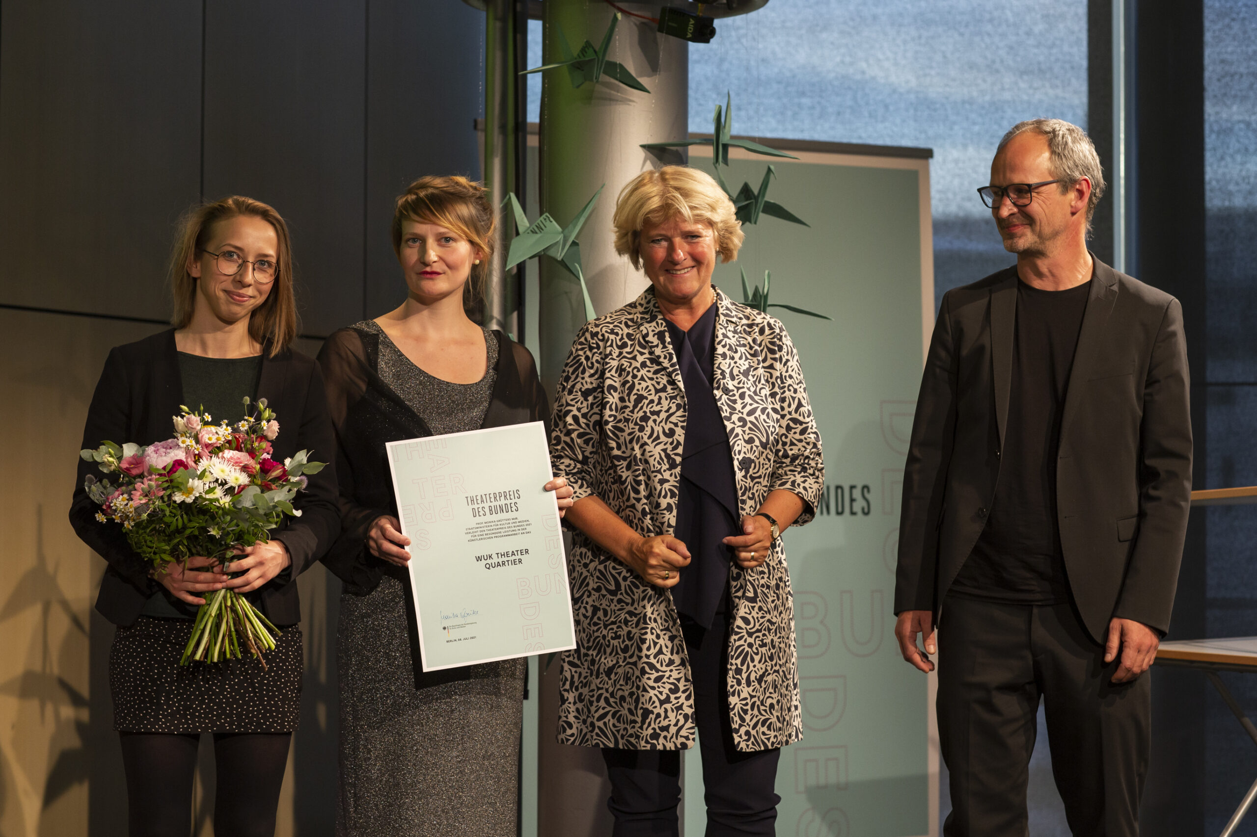 Read more about the article Wir haben den Theaterpreis des Bundes 2021 gewonnen!